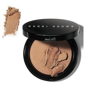 Bobbi Brown • Illuminating Bronzing Powder • Aruba